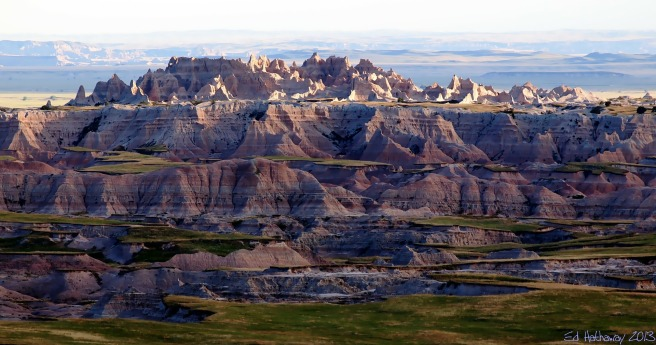badlands-at-sunset-181979_1920_0.jpg